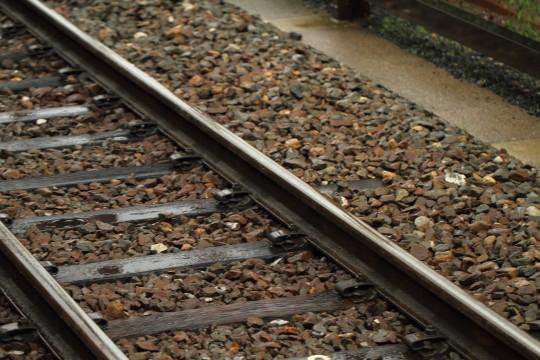 雨に濡れた線路