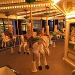 メリーゴーラウンドの回転木馬