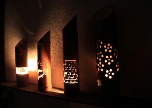 さまざまな細工が施された竹灯篭