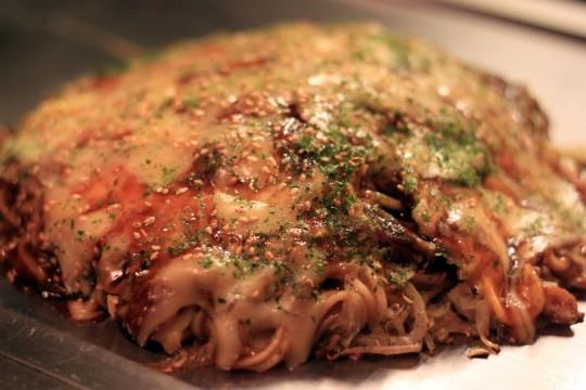 チーズとろける焼きたての広島風おこのみやき