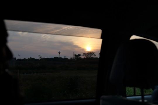 車窓から見た夕日